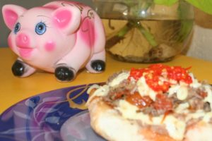If you're feeling piggy, you will probably want to eat two molletes.